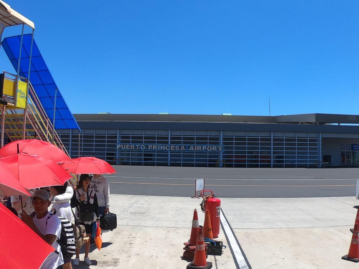 飛行機 乗継 スーツケース プエルトプリンセ マニラ