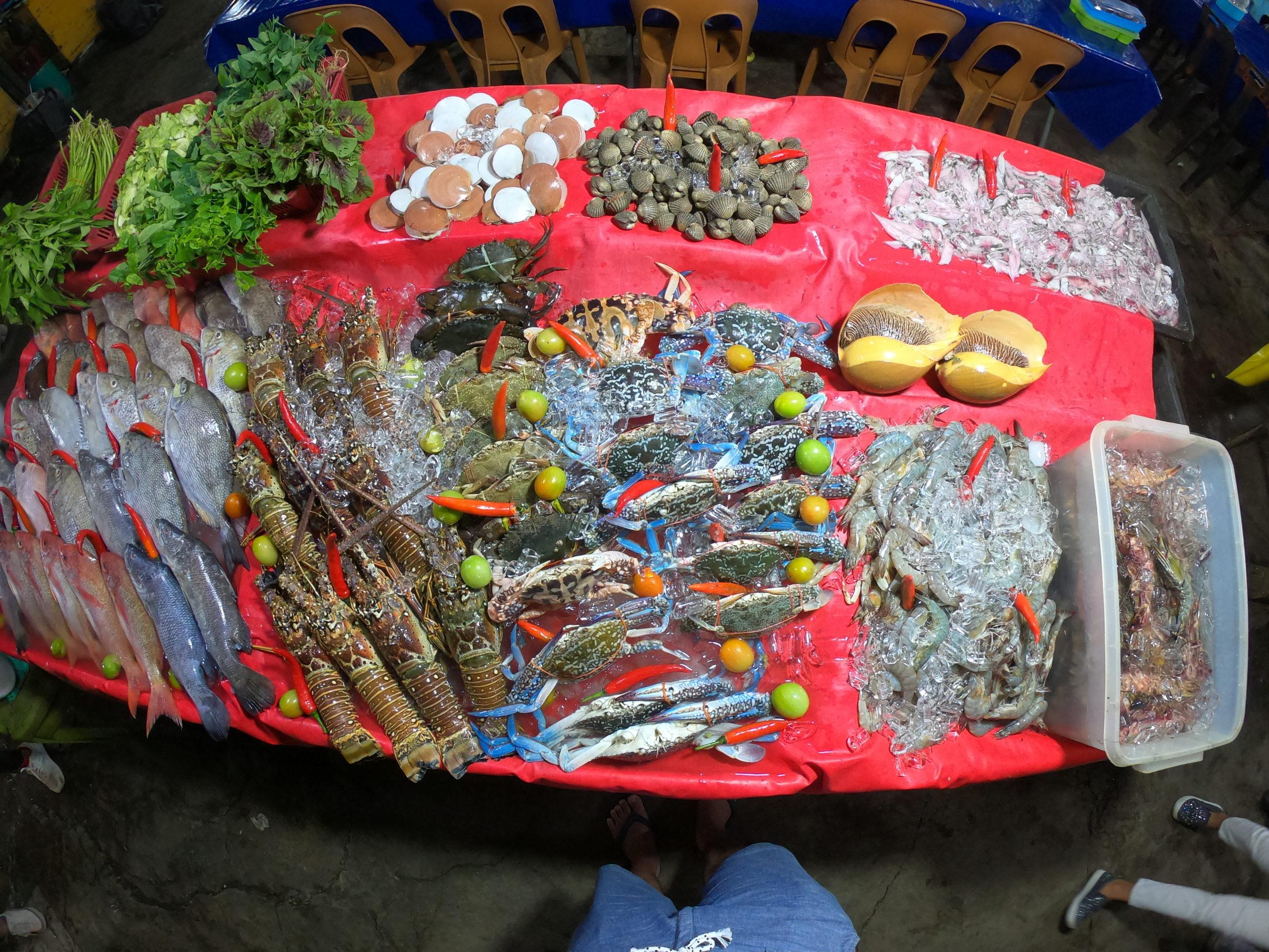 コタキナバル ナイトマーケット シーフード