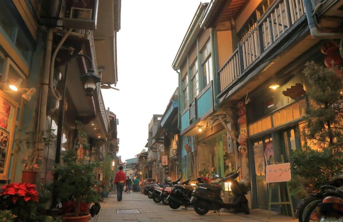 海外 卒業旅行 台湾 神農街 シェンノンチエ