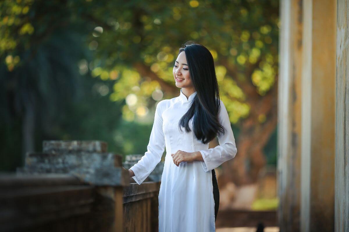 海外 卒業旅行 ベトナム Vietnam アオザイ