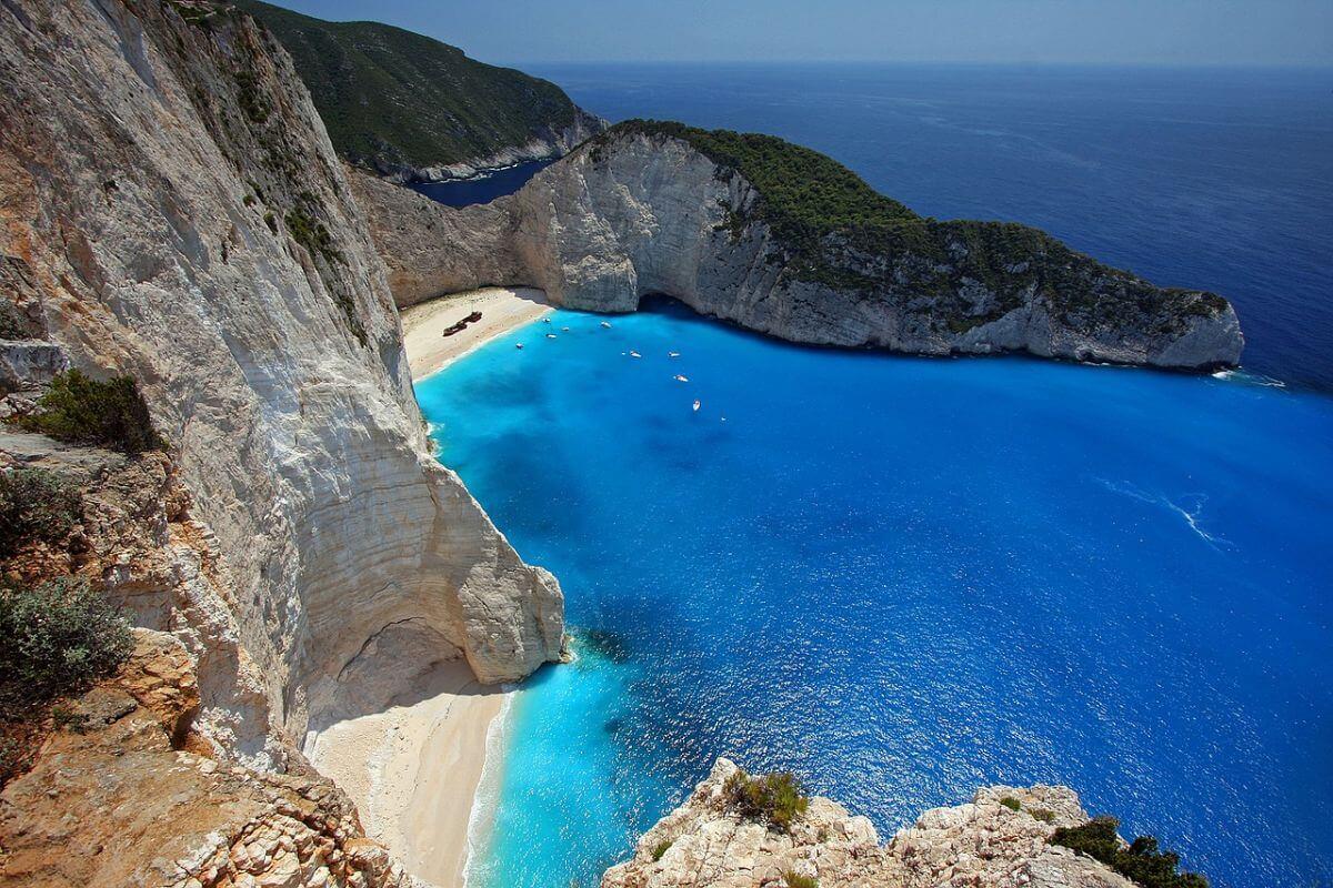 海外 卒業旅行 ギリシャ ホワイトビーチ