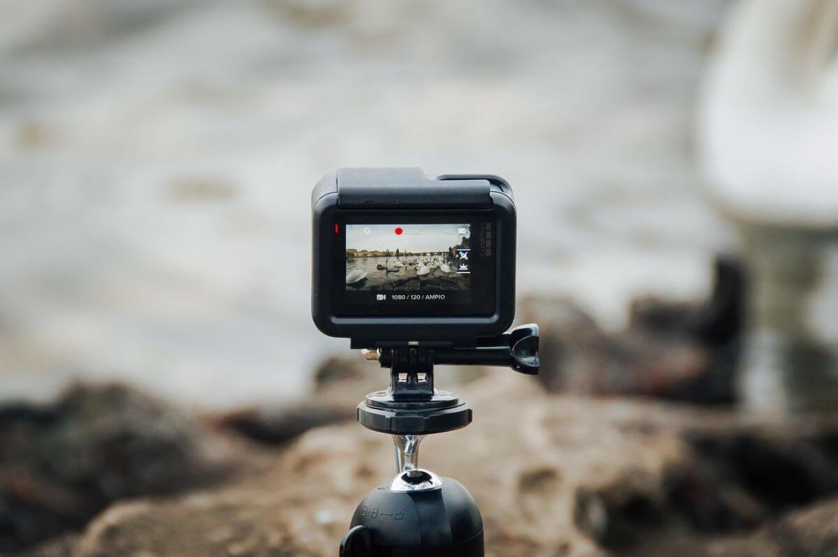 アクションカメラ ディスプレイ フロント バック