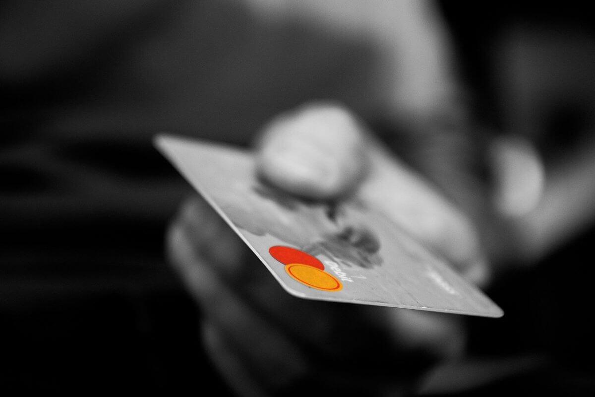 Rakuten UN-LIMIT 料金プラン 比較 おすすめ 海外旅行 支払い方法 クレジットカード