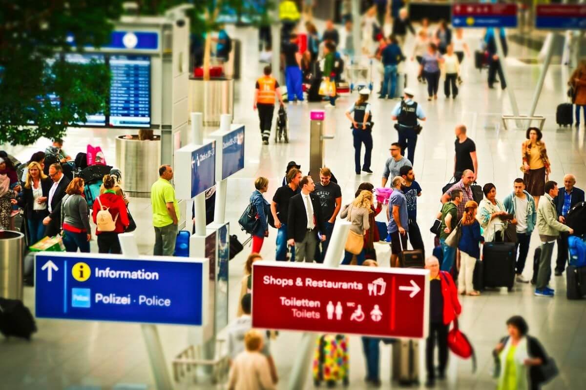 海外旅行 空港で使う 英語