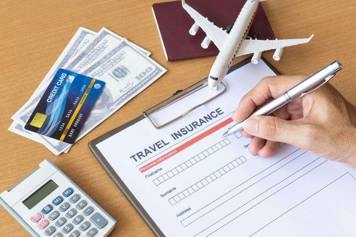 海外旅行保険 楽天カード 十分