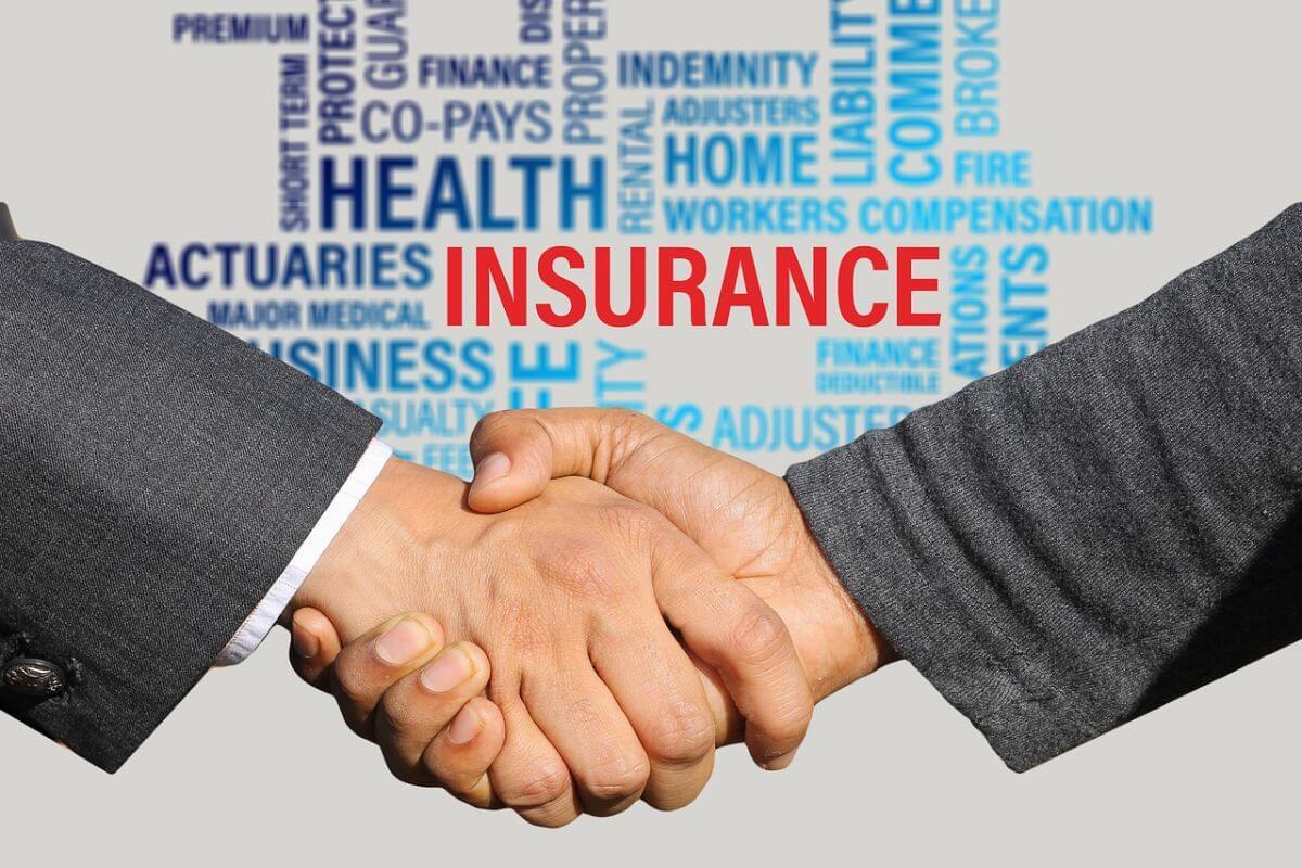海外旅行保険 Booking.comカード 特徴